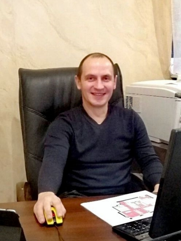 Руководитель проектов Валерий